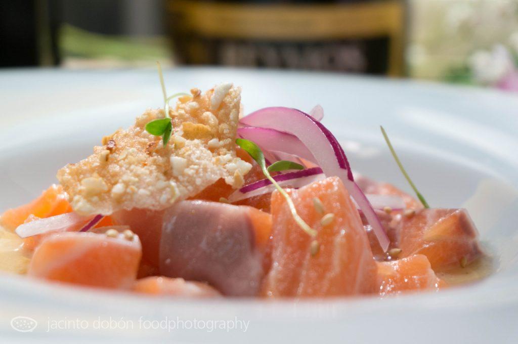 Ceviche de salmón y vieiras nikkei